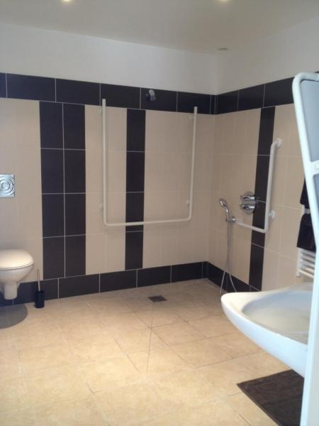 Salle de bain chambre 1